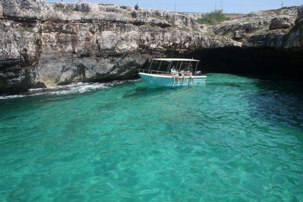 B&B Anemos - Escursioni in barca dal porto di Torre Vado
