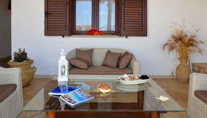 B&B Anemos - Morciano di Leuca- (Lecce), Salento - Arredo giardino di pregio ideale per rilassarsi dopo una giornata in spiaggia